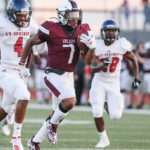 TURNING ON THE JETS - New move-in, junior RB Brandon Campbell, a four-star recruit, scored on his first carry as an Oiler. Campbell turned on the jets and burst through a hole for a 55-yard scoring jaunt with 4:28 still left in the first period giving Pearland a 28-0 lead. (Photo by Lloyd Hendricks)