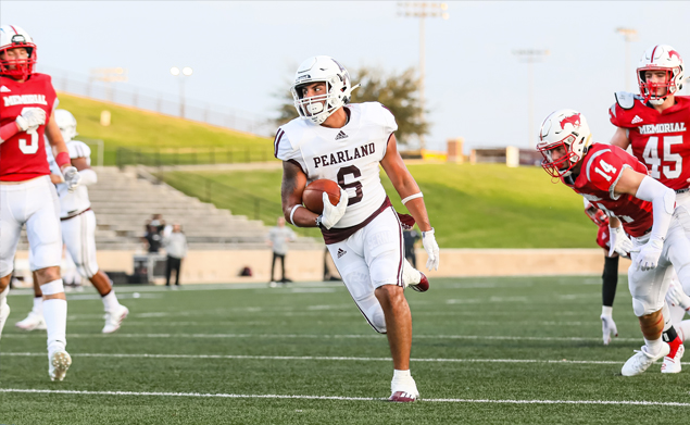 TOUCHDOWN RUNS - Pearland senior running back Dominic Serna (6) scored twice on runs of 14 and 52-yards against Spring Branch Memorial, but it wasn't enough as the Mustangs rallied to win the game 17-14 in overtime. Serna had 29 carries for 150 yards and two TDs. The Oilers (0-2) will host the Oak Ridge War Eagles on Friday, September 10 at 7:00 p.m. at The Rig. (Photo by Lloyd Hendricks)