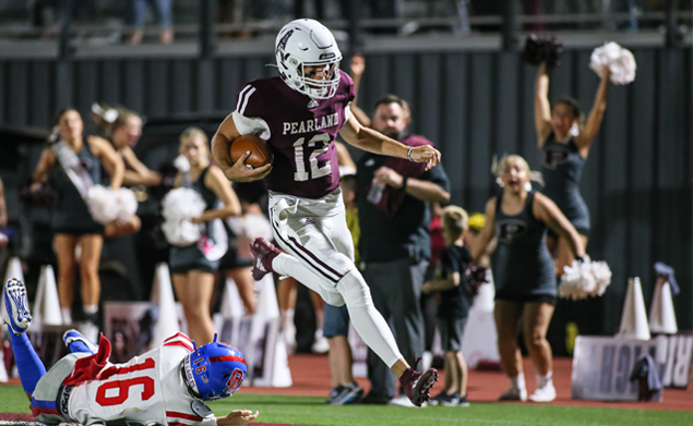 EXCLAMATION POINT - Pearland senior field general Jake Sock (12) provided the knock out punch against Oak Ridge with 5:24 left in the game with a stunning 48-yard keeper for a touchdown making the score 36-33 that stood as the final margin of victory for the Oilers. Pearland is idle this week, but will host Strake Jesuit on Friday, September 24 at The Rig at 7:00 p.m. as District 23-6A action begins. The Oilers are 1-2 on the season. (Photo by Lloyd Hendricks)